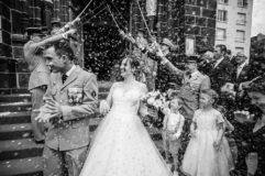 mariage :explosion de riz à la sortie de l'eglise saint eutrope de clermont
