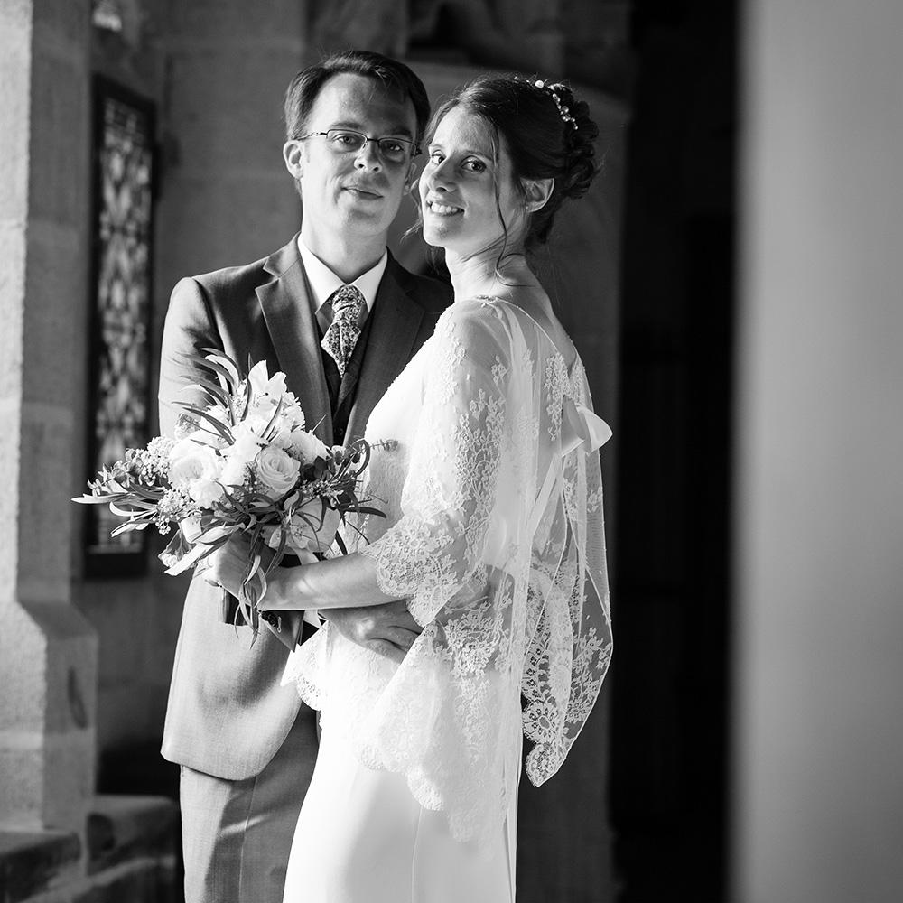 Recommandation de photographe de mariage en auvergne , mariage au château de murol en tallende à saint amant tallende