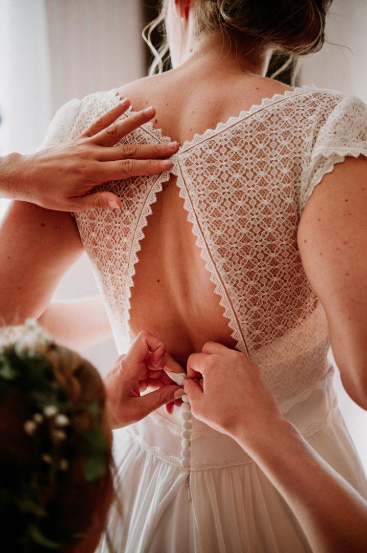habillage-mariee-mariage-auvergne-photographe