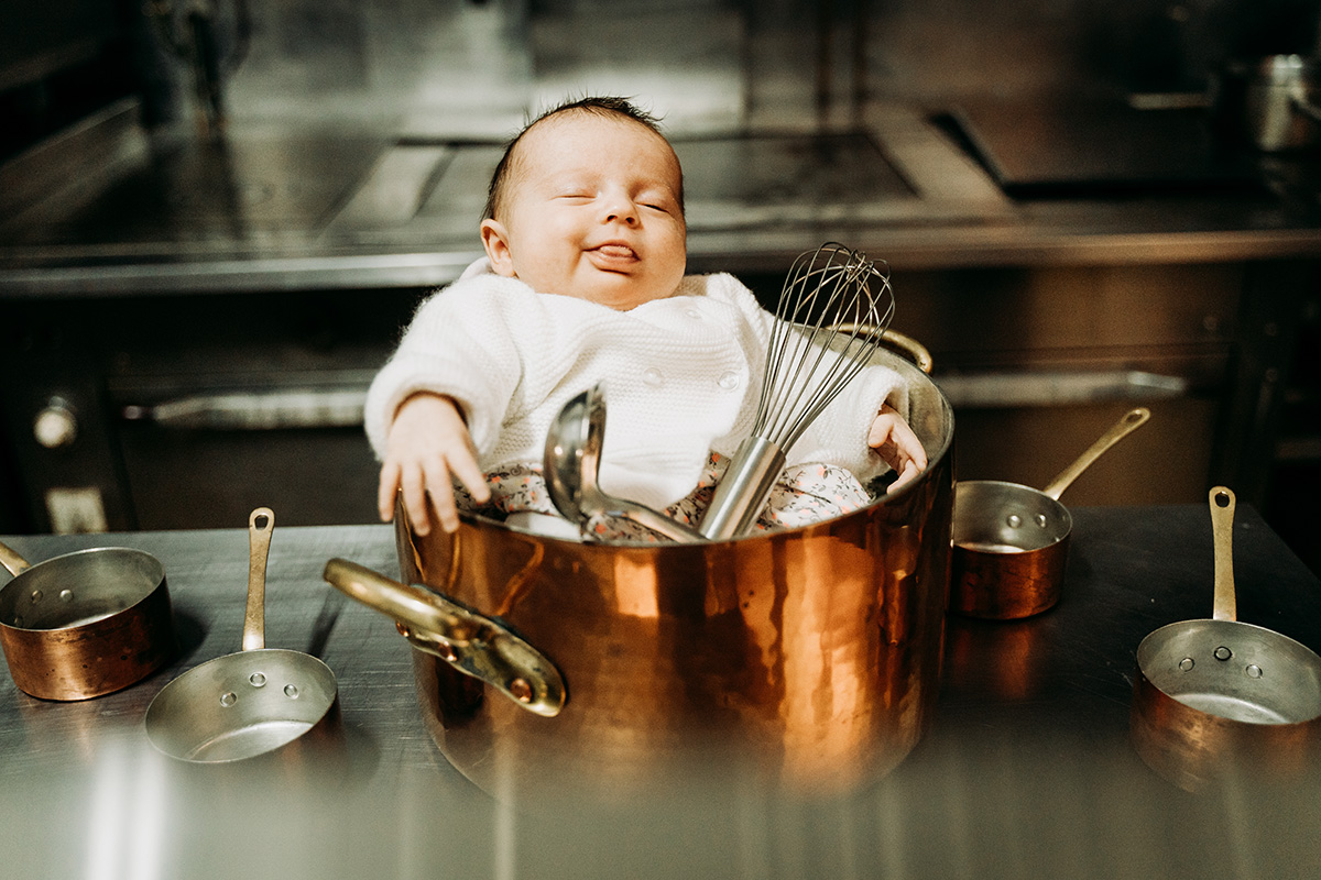 seance photo a domicile bebe nouveau ne autour de clermont-ferrand. choisissez des photos originales et personnelles faites par un photographe pro