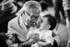 Photographies par un photographe professionnel de clermont ferrand d'un grand pere et son petit fils